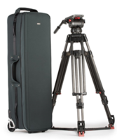 Video Tripod Manager 44 Rolling Case is equipped with shock-absorbing wheels.