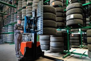 AME Presents Easy Stacker 800 Tire Handling Attachment with a Lifting Capacity of 350 lbs