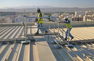 New Crossover Safe Access Platforms Feature Kee Walk Anti-slip Modular Walkway