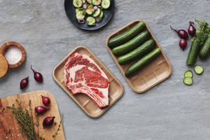 New Thermoformed Cardboard Food Tray Protects from Moisture