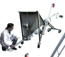Screw Conveyor allows auger changeovers in minutes.