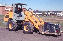 Wheel Loader doesn't contaminate turf.