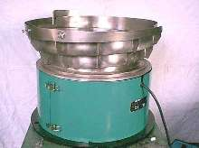 Vibratory Bowl Feeders offer integrated tooling features.