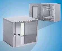 Air Locks help eliminate cleanroom contamination.