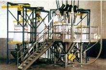 Bulk Bag Weigh Batch System employs 2 conveyor types.
