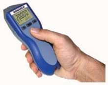 Tachometer offers digital contact/non-contact operation.
