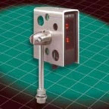 Shroud Mounting Bracket allows 360° rotation.
