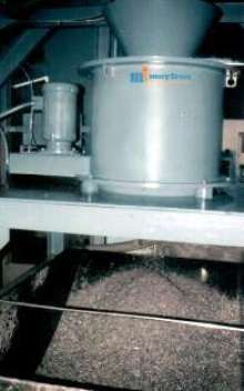 Chip Wringers facilitate coolant reclamation.