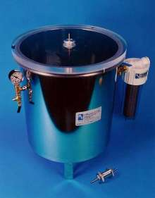 Vacuum Degassing Chamber offers rotary motion feed-thru.