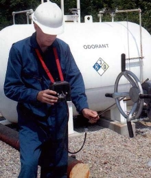 Portable Instrument continuously measures up to 5 gases.