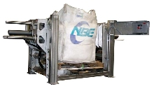 Bulk Bag Conditioner deblocks hardened materials.