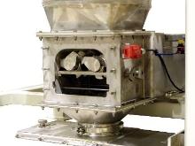 Lump Breaker integrates into bulk bag discharger.