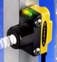 Ultrasonic Sensor comes in compact, world standard housing.