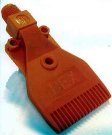 Blow-Off Nozzles deliver uniform air pattern distribution.