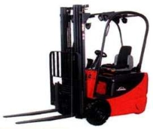 Electric Lift Truck has 3-wheel, rear-drive design.