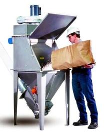 Manual Dumping Station has flexible screw conveyor.