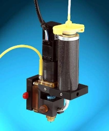 Syringe Heater ensures consistent material viscosity.