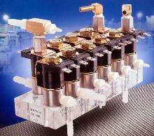 Acrylic Sub Plates simplify fluid system design.