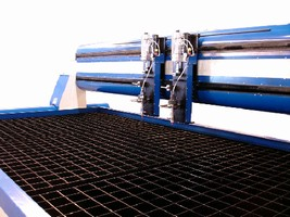 Cutting Grates incorporate jigging and clamping system.