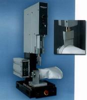 Ultrasonic Bonder assembles 50-80 filter bags per hour.