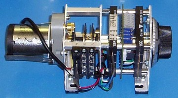 Current Loop Controller works with motorized potentiometers.