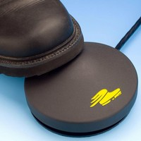 Footswitch has round, ergonomic design.