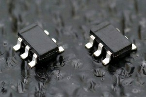 White Driver IC powers up to 8 LEDs in series.