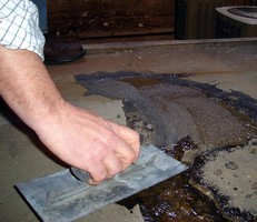 Polyurethane Polymer repairs concrete in 10 minutes.