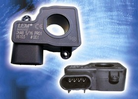 Sensors measure vehicle battery current.