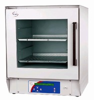 Digital Vacuum Ovens feature ramp and hold capability.