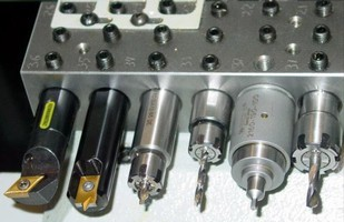 Rotary Broach Head suits limited-space applications.