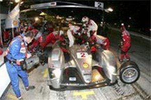 Shell V-Power Diesel Race Fuel Takes Audi R10 TDI to Historic Victory at Sebring