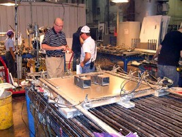 Acrylic Adhesive joins aluminum materials.