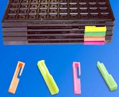 Anti-Static IC Tray Clip facilitates tray differentiation.