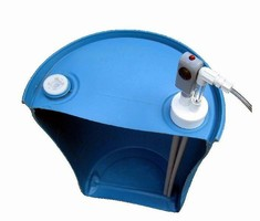 Alarm monitors liquid level in chemical drums and containers.