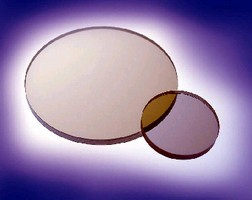 NIR Linear Polarizers eliminate unwanted reflections.