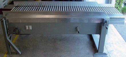 Extendable MDR Conveyor is fully reversible.