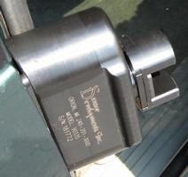 Sensor determines force of sliding doors prior to reversal.