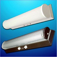 Luminaires are controlled by motion sensor.