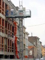 Platform Hoist System offers 3,300 lb payload capacity.