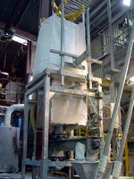 Bulk Bag Discharger offers controlled dispensing of powders.
