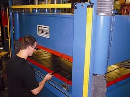 Hydraulic Presses offer presence sensing device initiation.