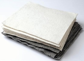 Absorbent Pads are made of natural plant by-products.