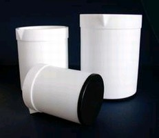 Heatable Beakers feature PTFE design.