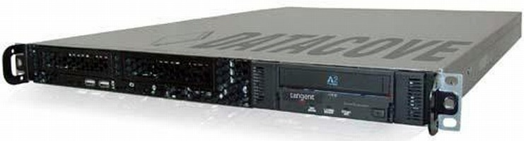Plug-and-Play Appliance archives searchable emails and IMs.