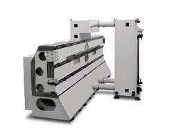 Horizontal Profiler cuts aluminum aerospace components.