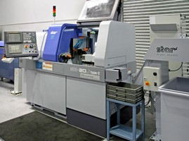 Sliding-Head Lathe is offered with or without guide bush.