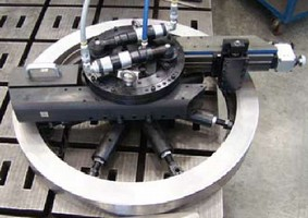 Tool repairs flanges, seals, and bearing fits on-site.