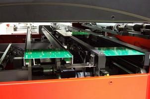 Dual Lane PCB Conveyor boosts throughput and flexibility.