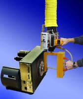 Vacuum Lifter handles small off-center loads.